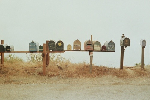 embracethevision:  foxontherun:  Beach Mail (via { whimsicalities })  Rural