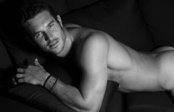 homotography:  Ford model Justice Joslin