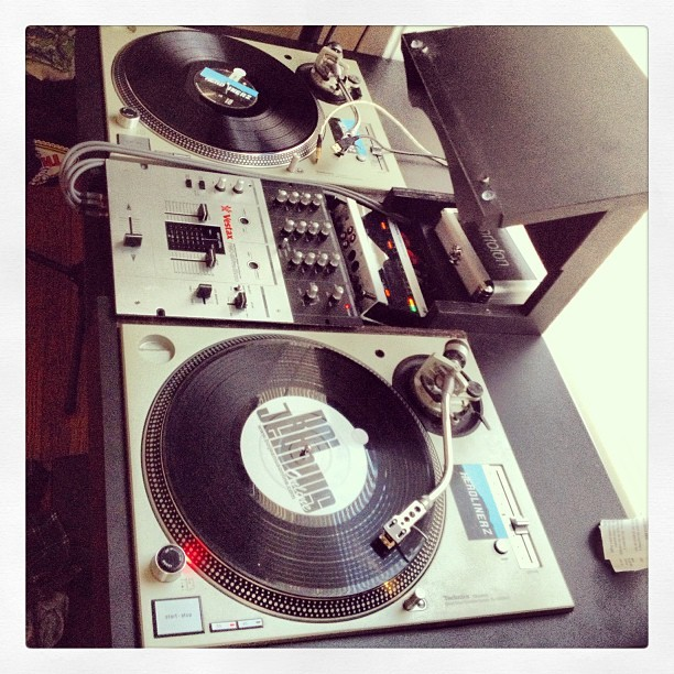 Good Practice today. #dj #traktor #vestax #technics #setup