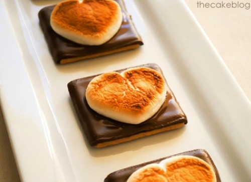 gastrogirl:  open-faced heart s'mores for valentine's day.