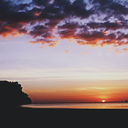 Mondazed. #sunset #philippines (at Anvaya Cove, Bataan)