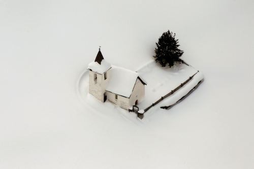 climateadaptation:  A snow covered church in Switzerland. Happy holidays everyone! Back soon…