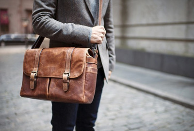 enochliew:  Brixton Bag by Ona Handcrafted leather camera and laptop messenger bag that will get better with age.