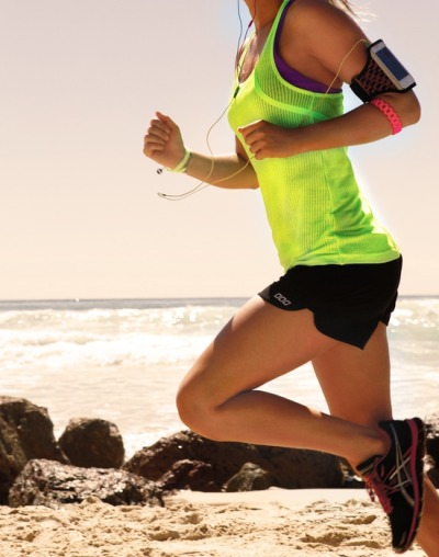 weightliftingyogi:  tealates:  qetfit:  get-fit-4-life:  A run on the beach!  (via TumbleOn)  Run❤  health blog run by a certified personal trainer! :)
