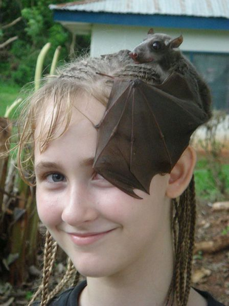 thegreenwolf:  Best fascinator ever. Would match any steampunk couture.  that is pretty cool! i need to make up more excuses to wear my rat-head fascinator…