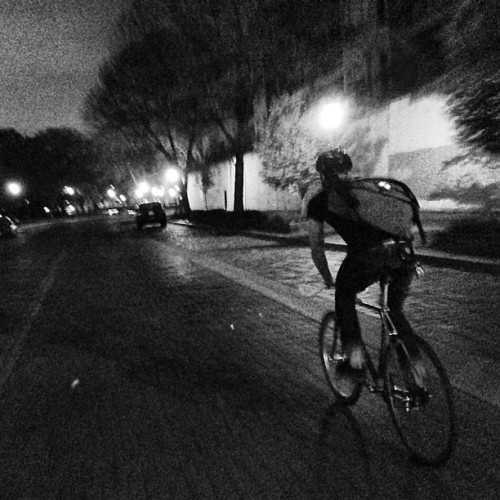 zacharydolinaj:  Midnight ride in the city with Digs. #RIDEmpls and #bigdirtycycling #fromwhereiride #igersmpls #minneapolis #trackbike #fixie #fixedgear #blackandwhite #bikeporn #bicycle #bike #iphonesia #instagood #instagramhub (at St. Anthony Main Theatre)