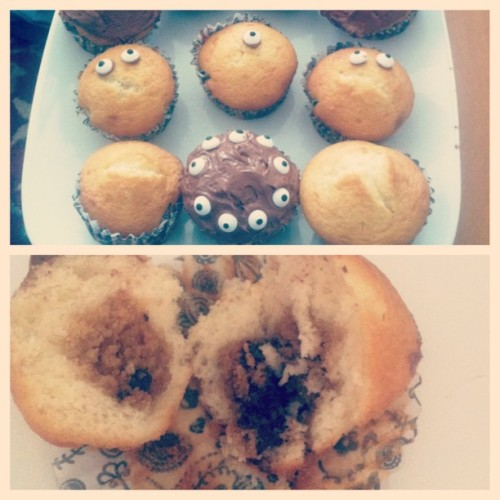 @pindork & I made cupcakes! But they're special coz they have cookie dough in the middle! #cupcakes #cookie #cookiedough #baking #sweet #food #yum