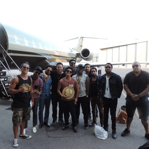 bruno-news:  @jamareoartis: The team #Hooligans left Wango Tango straight to the jet. @ryankeomaka1 @epandagram @duggerii @johnjohnthe1 @kameronwhalum @dreft_la Shaun, Phred and Phil
