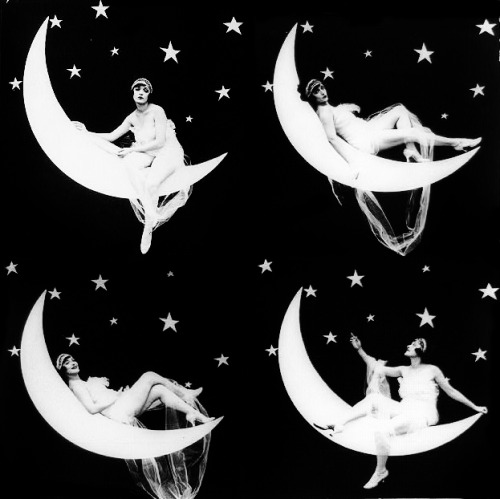 vintagegal:  Paper Moon 1923