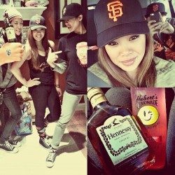 Otw to the Giants game with my atehs and kuyas lol! @kaeyo_22 @ni_co_m @dorian_delacruz #takinapicofmetakinaselfie haha #sfgiants