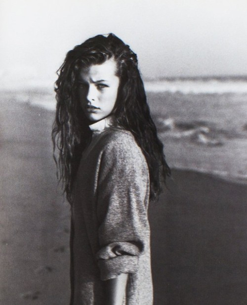 voguelovesme:  milla jovovich by herb ritts for lei october 1987