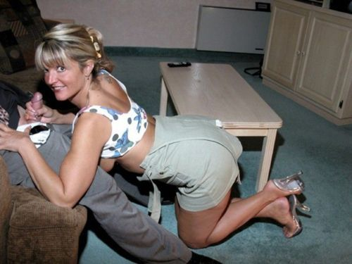 jiminpa5:  cuck-a-doodle-do-her:  milfzone:  new milfs  (via TumbleOn)  That moment she looks at you just before she goes down on him…priceless!