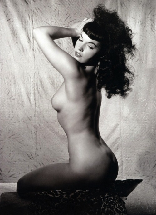 les-sources-du-nil:  Betty Page by Bunny Yeager, 1954