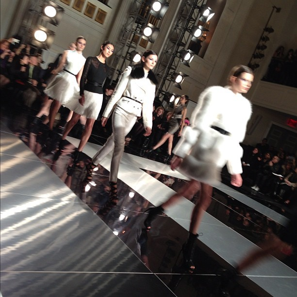 New York Fashion Week:  Jason Wu Finale (via styledot.com)