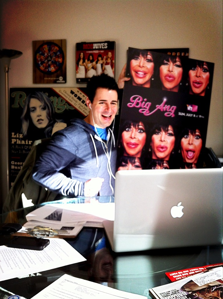 Pete Lee of Best Week Ever combines some of our favorite things — Big Ang and Very VH1 spreecasting.