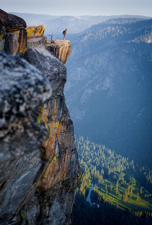 believeinwallflowers:  bluepueblo:  Top of the World, Yosemite, California photo via besttravelphotos