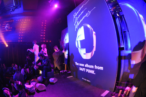 telmomiel:  Live painting @ Daft Punk (album release party) - Sony Music Netherlands