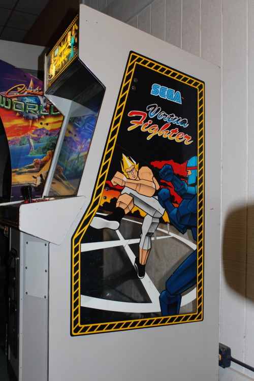 aworldofgames:  Virtua Fighter Cabinet Art (2012)Marquette Mall ArcadeMichigan City, IN