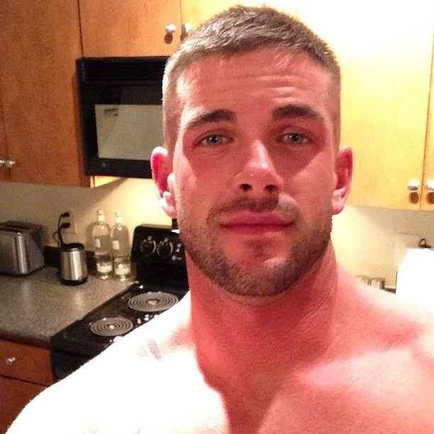 campusbeefcake:  eyes n' scruff n' hair n' nose n' ears n' eyebrows n' lips THATS how you put together a face.  good job, genetics.