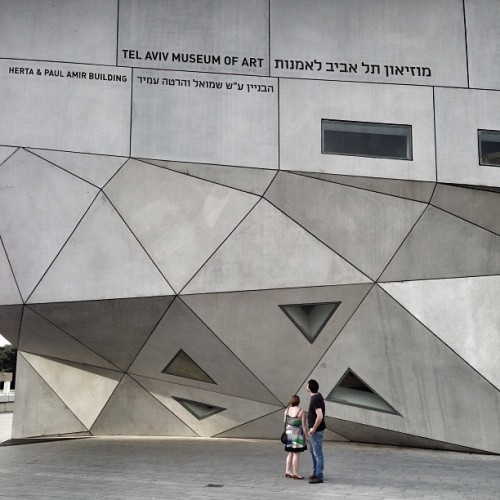 archdaily:  Tel-Aviv Museum of Art by Preston Scott Cohen #architecture #archdaily #telaviv #israel #instagood #concrete #parametric #prestonscottcohen #iphonesia #faceted (at Tel Aviv Museum of Art (מוזיאון תל אביב לאמנות))