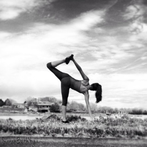 sarahbethyoga:  Strength does not come from physical capacity. It comes from indomitable will. #Gandhi #dailypractice #yoga #jog #vibrams #asana #yogini