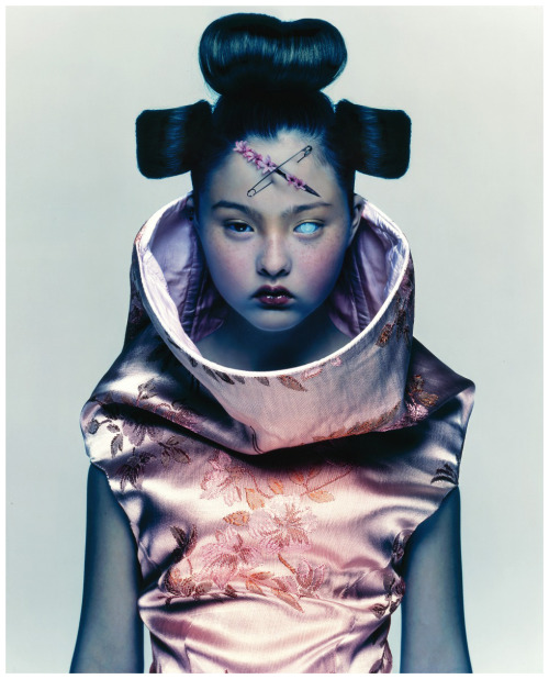 suicideblonde:  Devon Aoki (in Alexander McQueen S/S 1997) photographed by Nick Knight