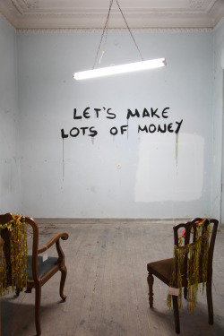 atavus:  Matthieu Laurette - Opportunities Let's Make Lots of Money, 2005 Photo by [Robert Pettena]