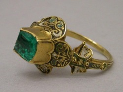 Heirloom ring of House Tyrell  16th century ring from Spain