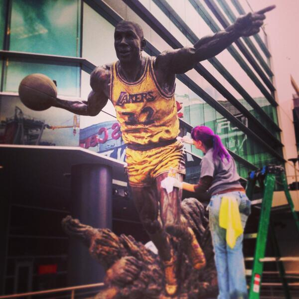 Magic Johnson - The @MagicJohnson statue in front of STAPLES got a little touch up today. #GoLakers