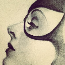 Drawing. #wip #illustration #catwoman #artistsontumblr #noramaha #noramartinhall