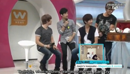 kpopshowloveholic:  120913 Wide Entertainment News Open Studio FTISLAND Eng Sub  part 1part 2 credit primaspirit  View Post