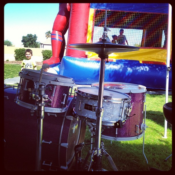 Never set up my @battlefielddrum next to a jumpy thing till today. #firsttimeforeverything