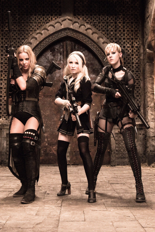 suicideblonde:  Abbie Cornish, Emily Browning and Jena Malone in Sucker Punch