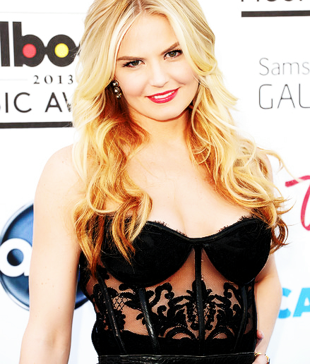 ouatfashion:  Jennifer at the 2013 Billboard Music Awards. Doesn't she look beautiful?