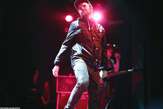 Rou Reynolds - Enter Shikari by tanyagelman on Flickr.