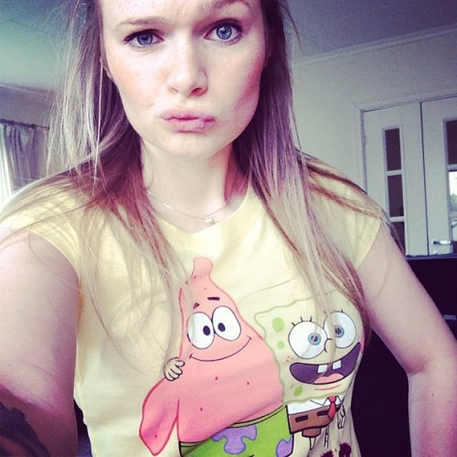 Bushy hair and yellow #spongebob #tshirt ✨👯🎊🎉