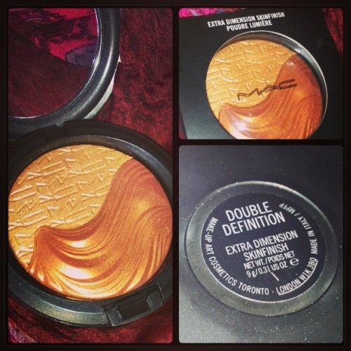 #aprilbeauty Day 14: Product that you're loving.. #maccosmetics #doubledefinition #extradimensionskinfinish #splitpan #twoinone #glow #highlight #luminous #brownskinmusthave #beautyphotoaday