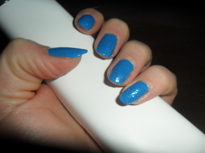 "Opi collection Bright ""He blue it this time!"" Miss Europe n°27 ""or bleu"""