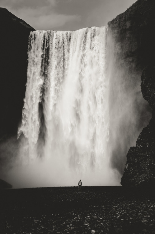 elliptical:  Skógafoss (by Zanthia)