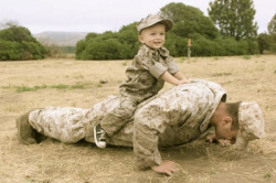 ravenstar113:  michelleelizabe:  So cute! I have so much respect for military dads.   ;)