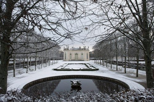 Versaille in snow