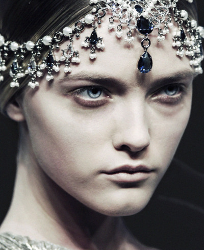 deprincessed:  Detail of Vlada Roslyakova at Alexander McQueen F/W 2008