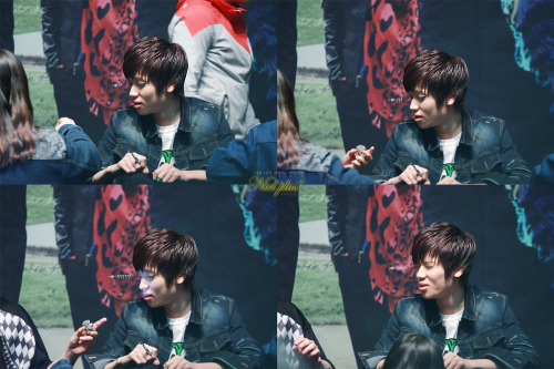 Cr. Nielplus C.a.p don't bully Niel >O<""