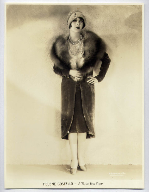 indypendent-thinking:  Helene Costello 1928 (via  Original Photo | eBay)