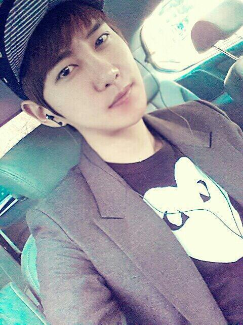 douwannabblockb:  날씨좋네요! The weather's nice!
