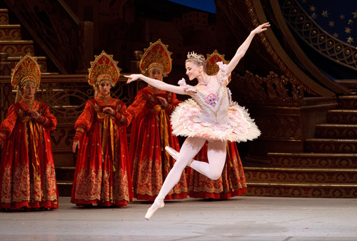 nationalballet:  The Nutcracker is sold out before Christmas! Great seats available for December 27 to January 5. Don't miss Toronto's favourite holiday tradition. http://bit.ly/PPolCg Elena Lobsanova in The Nutcracker. Photo by Bruce Zinger.