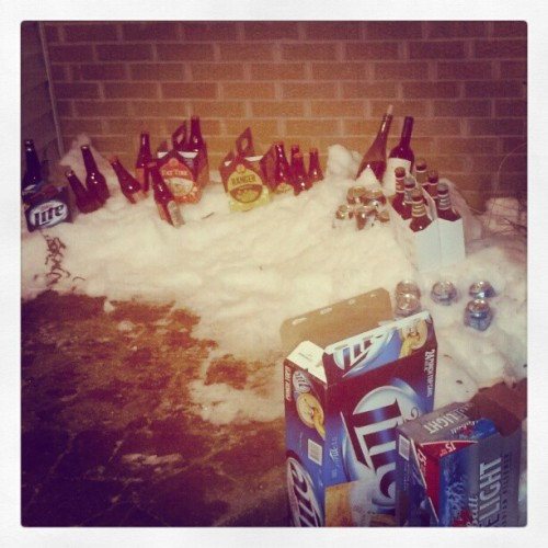 Making the best outta the snow!! #beer #party #mybirthday #snow