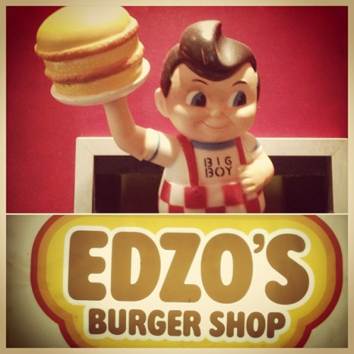 Lunch at #edzos #chicago #bigboy (at Edzo's)