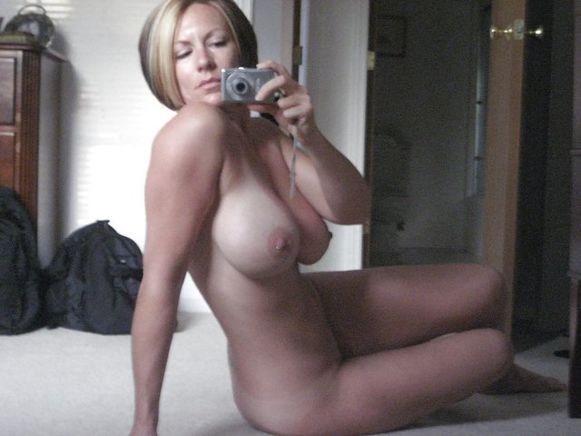 Mom self shot nude milf