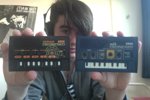Crumbled today and got both duo and delay the korg monotron's…. so much fucking fun. delay is so fucking gritty omg.